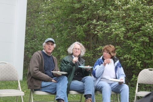 Tom, Jeanne and Marian Photo by Ryan Kayhart
